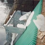 Výber kusov ľadu a kmeňov stromov čistiaci stroj hrablíc Streda nad Bodrogom